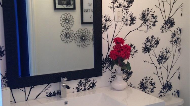 Bathroom transformation – Floral wallpaper